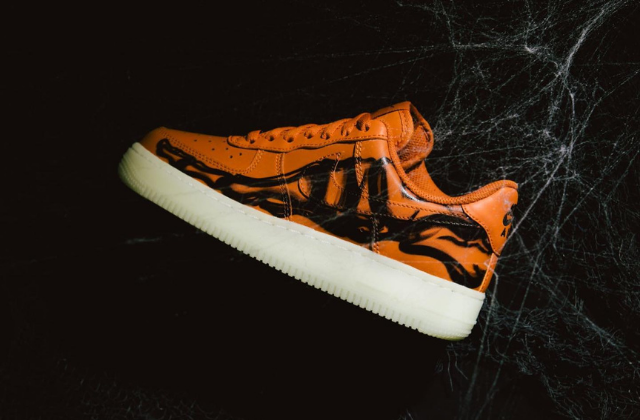 "AIR FORCE 1 07 ""SKELETON"" QS"
